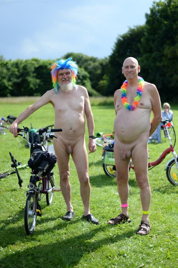 York World Nake Bike Ride02