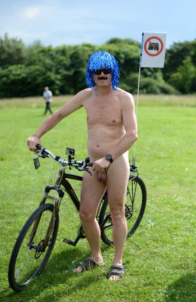 York World Nake Bike Ride09